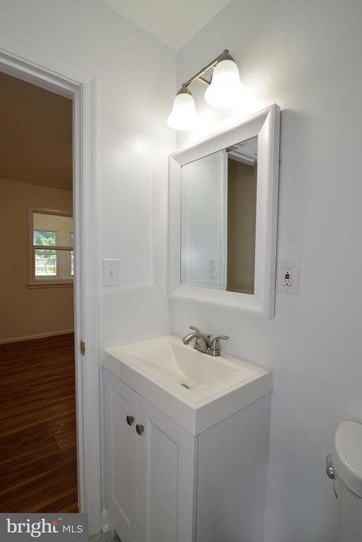 First floor half bath - 9622 KING GEORGE DR, MANASSAS