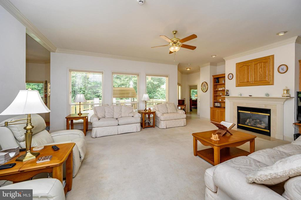 Great Room with Gas Fireplace - 86 SAINT MARYS LN, STAFFORD