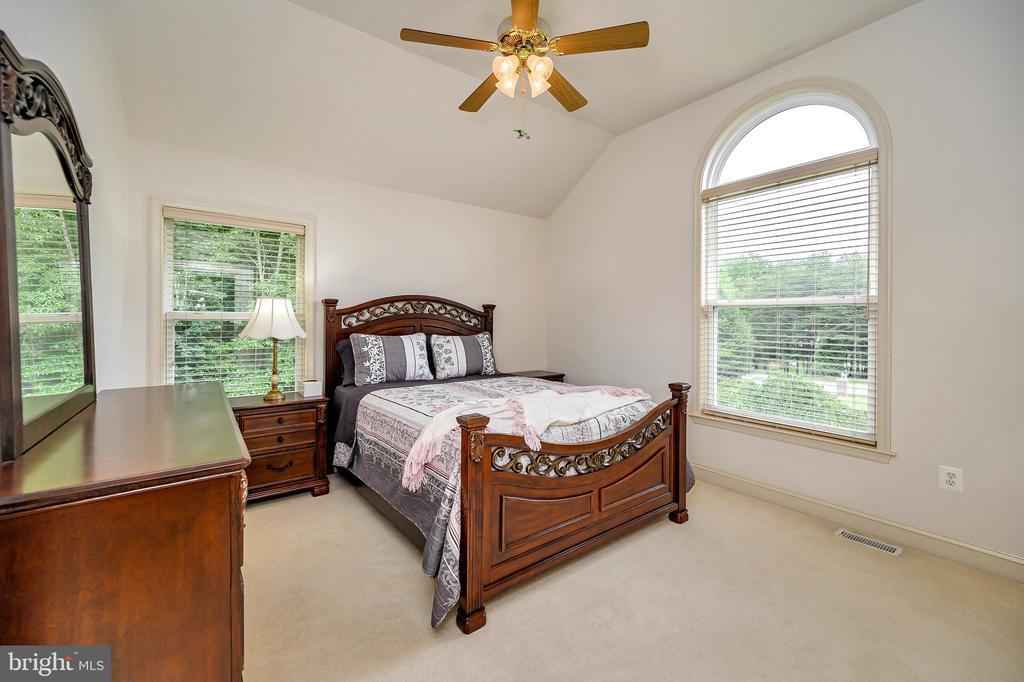 1st Floor Bedroom - 86 SAINT MARYS LN, STAFFORD