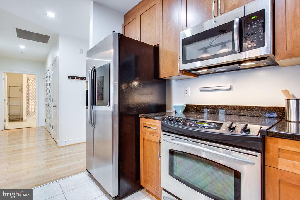 Large cabinets perfect for storage - 4101 ALBEMARLE ST NW #618, WASHINGTON