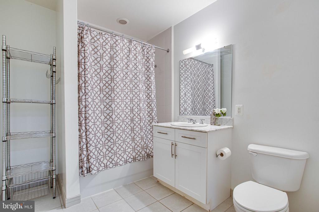 Bathroom - 4101 ALBEMARLE ST NW #618, WASHINGTON