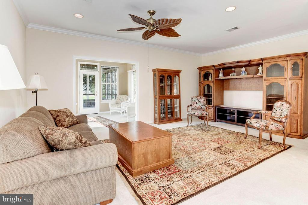 Living Room with  Recessed Lights & Ceiling Fan - 3854 CHAMPION OAK DR, DUMFRIES