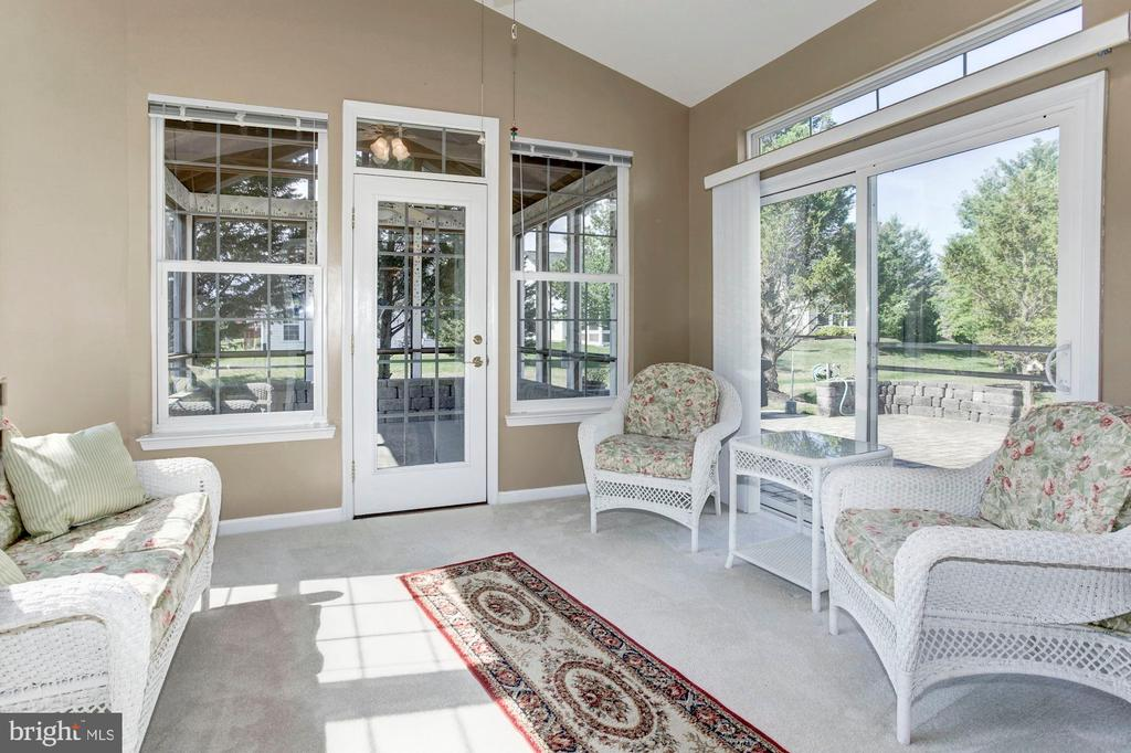Sunroom off Living Room - 3854 CHAMPION OAK DR, DUMFRIES