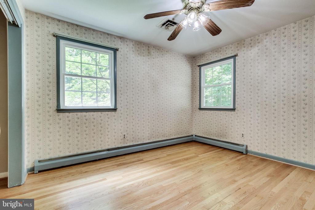 Ceiling Fans in all bedrooms - 7771 CLIFTON RD, FAIRFAX STATION
