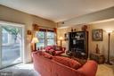 Beautiful sunlit room - 86 N BEDFORD ST #86A, ARLINGTON