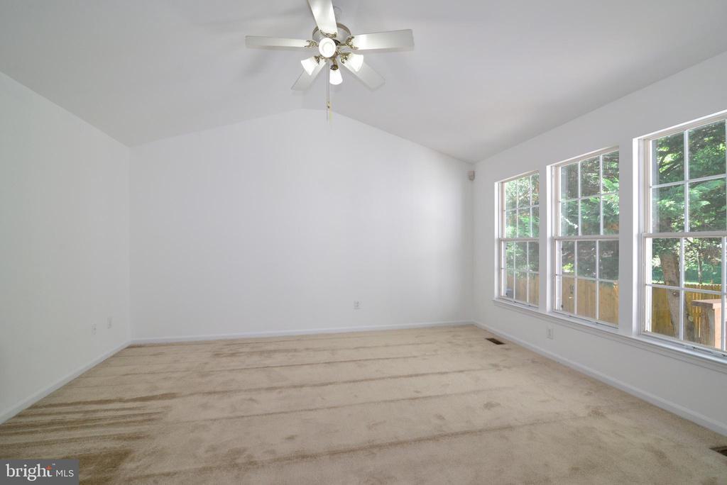 Family room off kitchen area - 9306 KEVIN CT, MANASSAS PARK