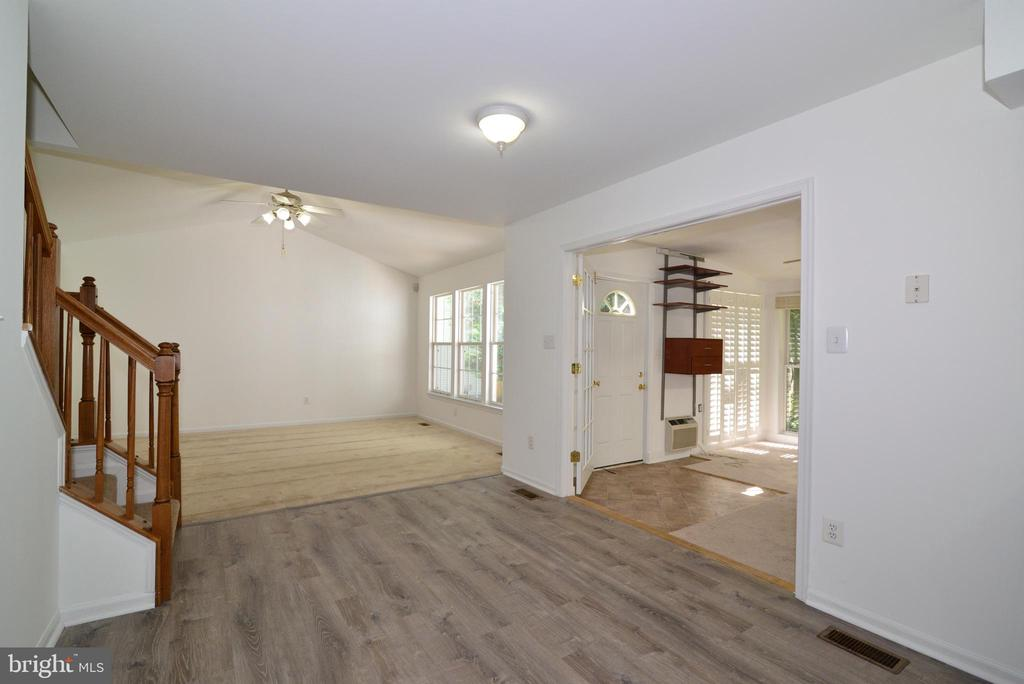 Looking from Kitchen area into family room - 9306 KEVIN CT, MANASSAS PARK