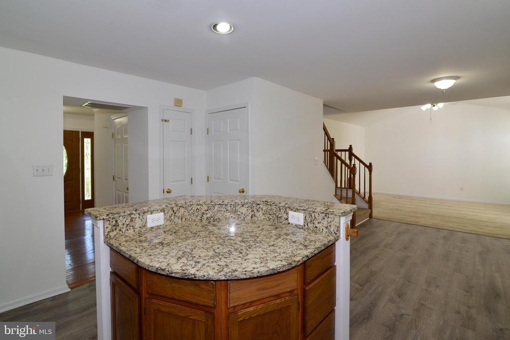 Kitchen - 9306 KEVIN CT, MANASSAS PARK