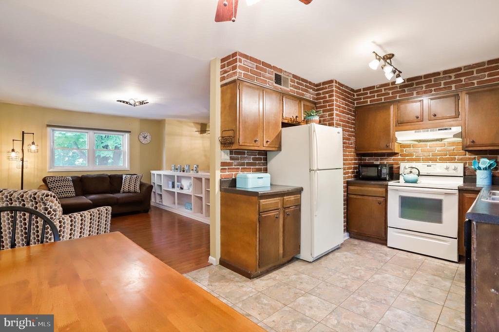 Kitchen - 16-A ELM ST, THURMONT