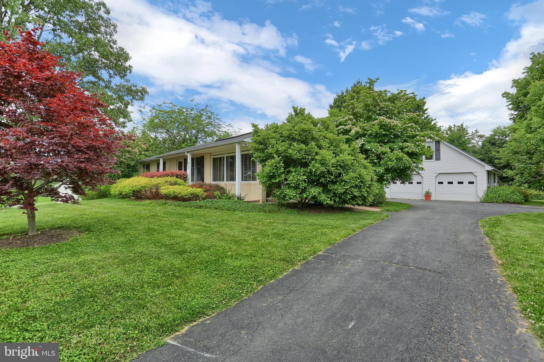 Single Family Homes vì Bán tại Fawn Grove, Pennsylvania 17321 Hoa Kỳ