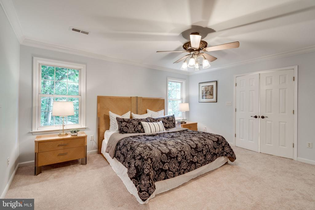 Master Bedroom with Lots of Closets - 29 DERRICK LN, STAFFORD