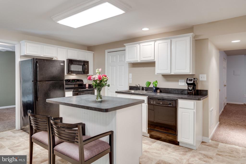 Beautiful Second Kitchen - 29 DERRICK LN, STAFFORD