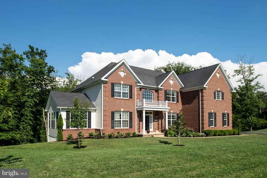 Luxury Estate on 3.26 Acres - 4950 CAMP GEARY LN, STAFFORD