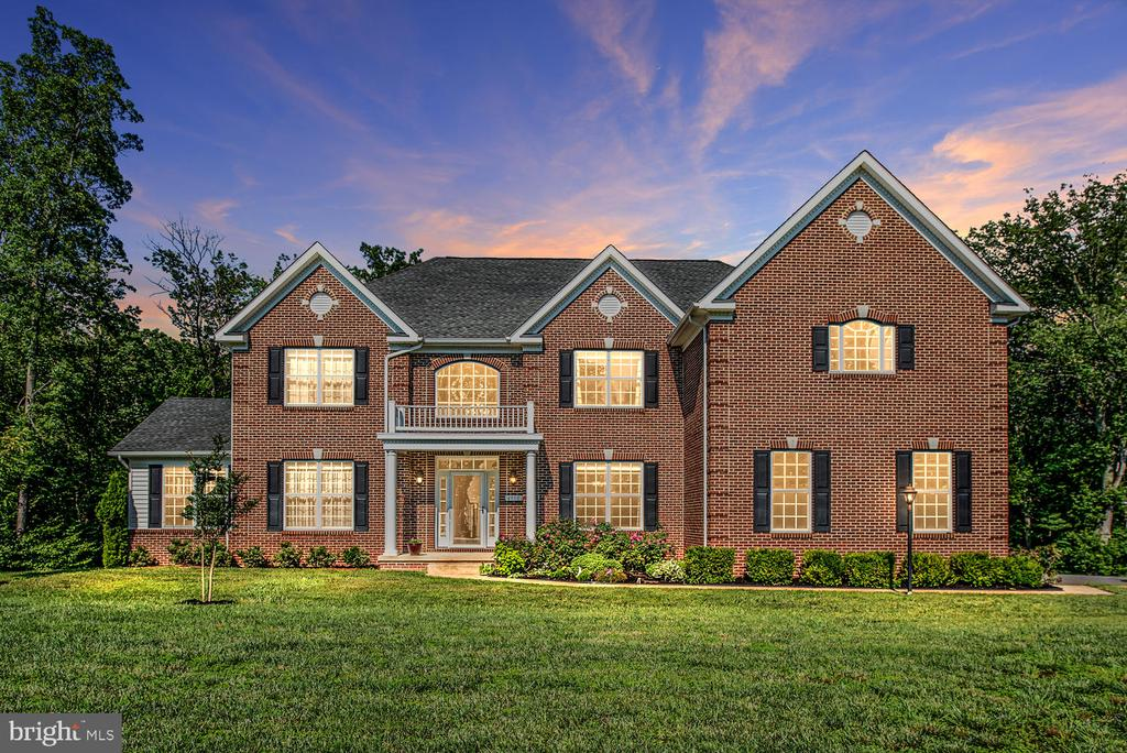 Luxury Estate Home - 4950 CAMP GEARY LN, STAFFORD
