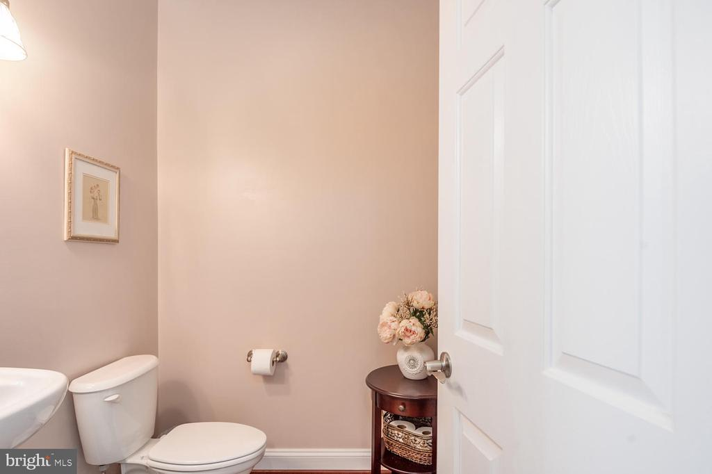Main Level Half Bath - 4950 CAMP GEARY LN, STAFFORD
