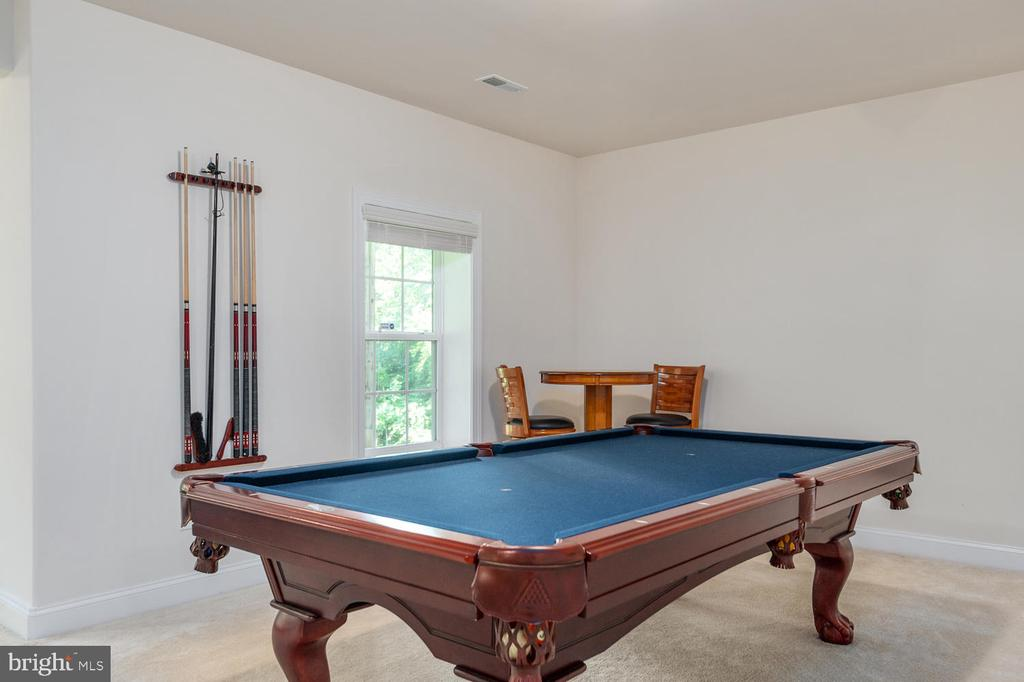 Basement Pool Table Negotaible! - 4950 CAMP GEARY LN, STAFFORD