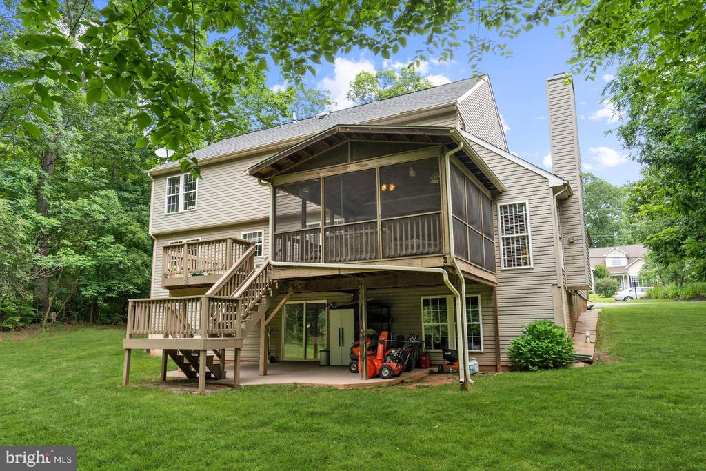You will enjoy the screened porch and deck daily! - 20311 BROAD RUN DR, STERLING
