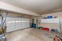 Bonus size 2 car garage - 20311 BROAD RUN DR, STERLING