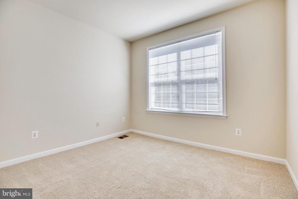 Large Bedroom2 - 22755 SETTLERS TRAIL TER, BRAMBLETON