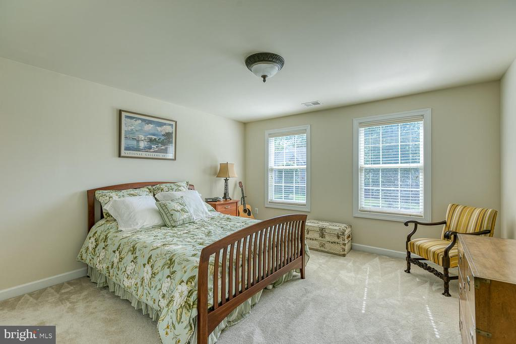 Large Bedroom #2 - 6 MOUNT ARARAT LN, STAFFORD
