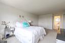 Master bedroom has large walk in closet - 200 N PICKETT ST #907, ALEXANDRIA