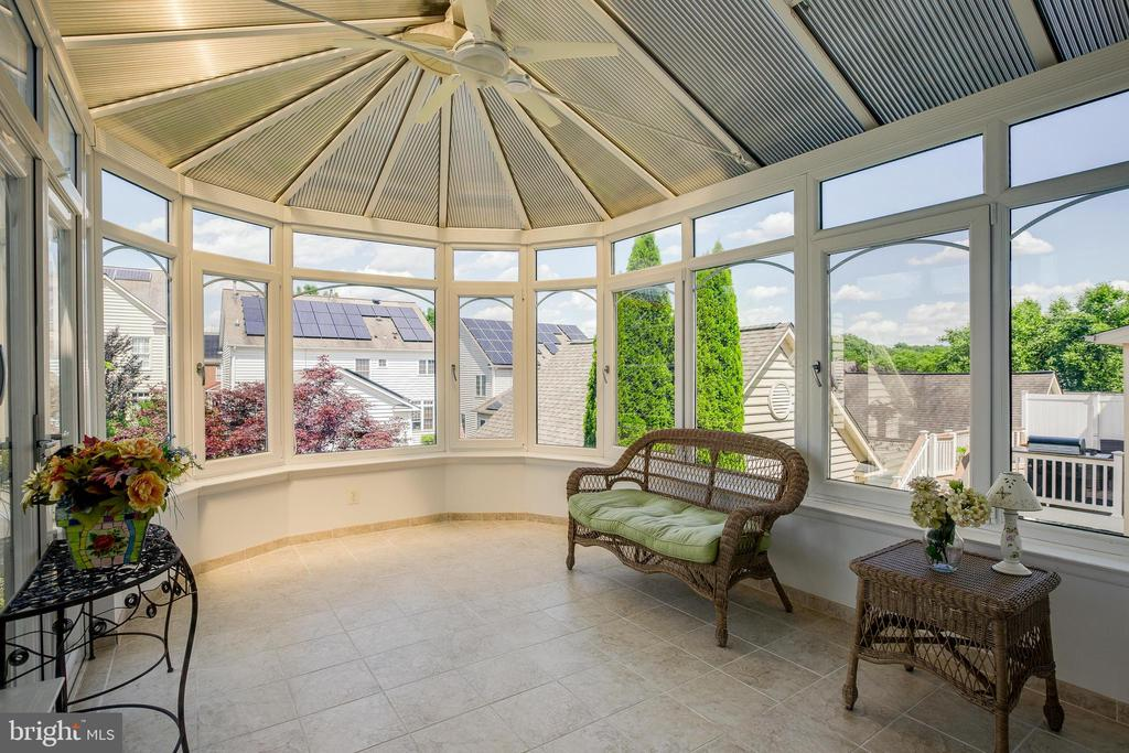 Sunroom - 618 LINSLADE ST, GAITHERSBURG