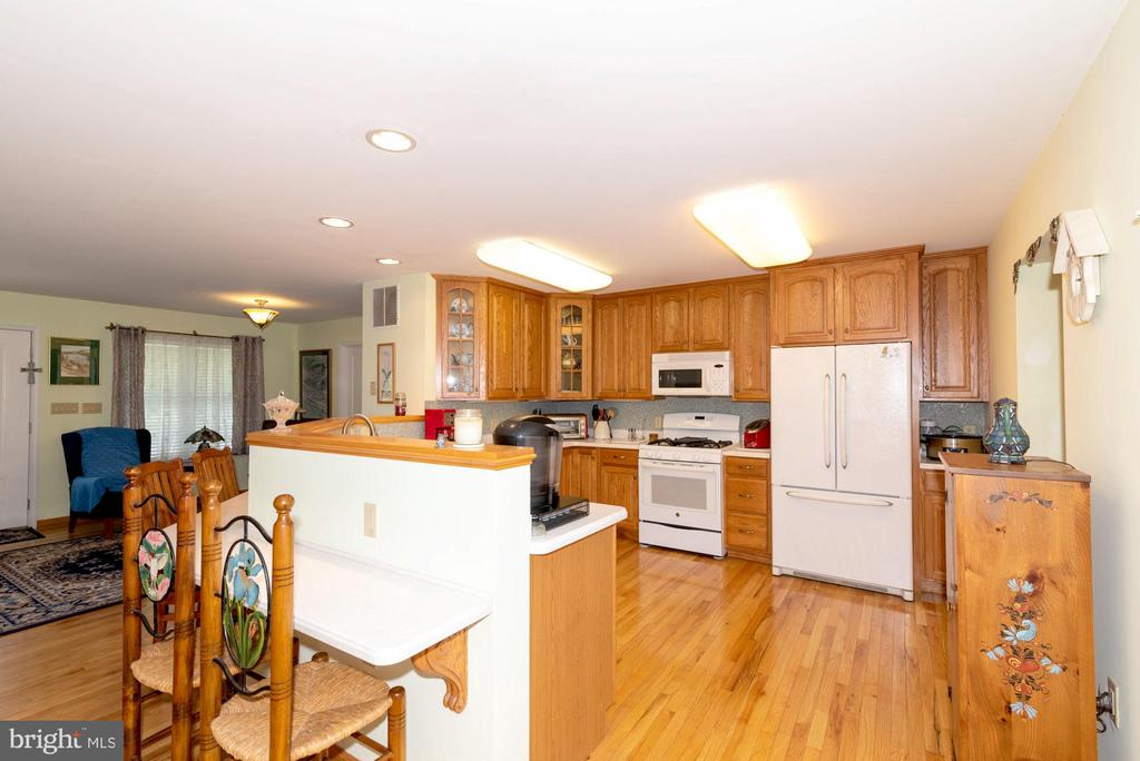 HARDWOOD FLOORS THROUGHOUT - 390 NANSFIELD DR, HARPERS FERRY