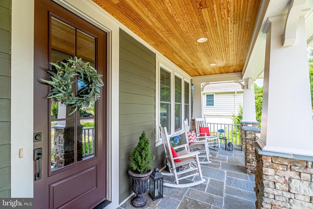 Front porch - 8720 PLYMOUTH RD, ALEXANDRIA