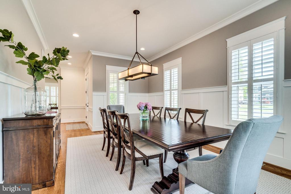 Huge windows w/ plantation shutters throughout - 8720 PLYMOUTH RD, ALEXANDRIA