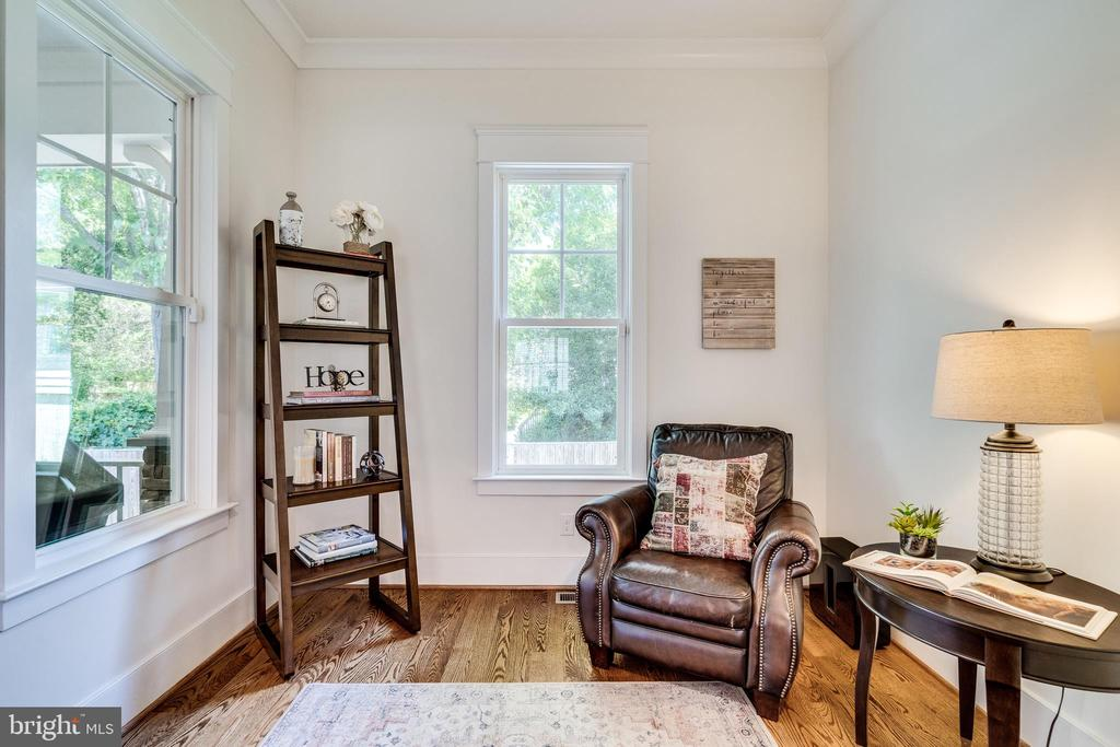 Reading nook off Great Room - 8720 PLYMOUTH RD, ALEXANDRIA
