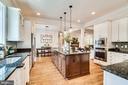 Beautiful kitchen w/ stainless appliances - 8720 PLYMOUTH RD, ALEXANDRIA