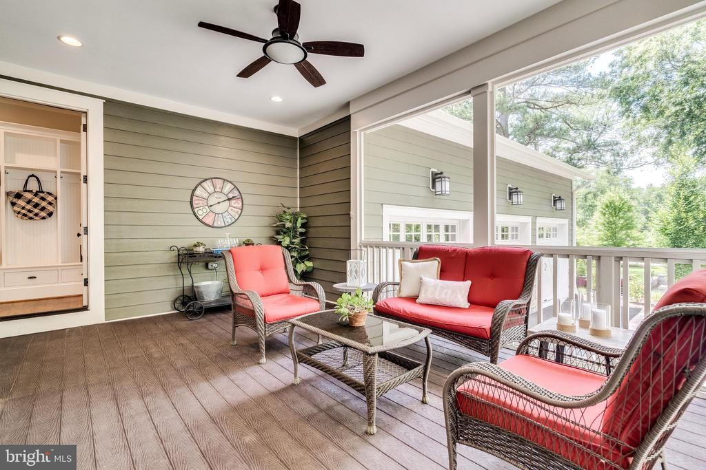 Screened-in porch - 8720 PLYMOUTH RD, ALEXANDRIA