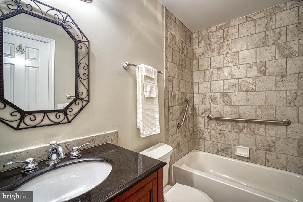 Upper level hall bathroom #2 - 12302 CANNONBALL RD, FAIRFAX
