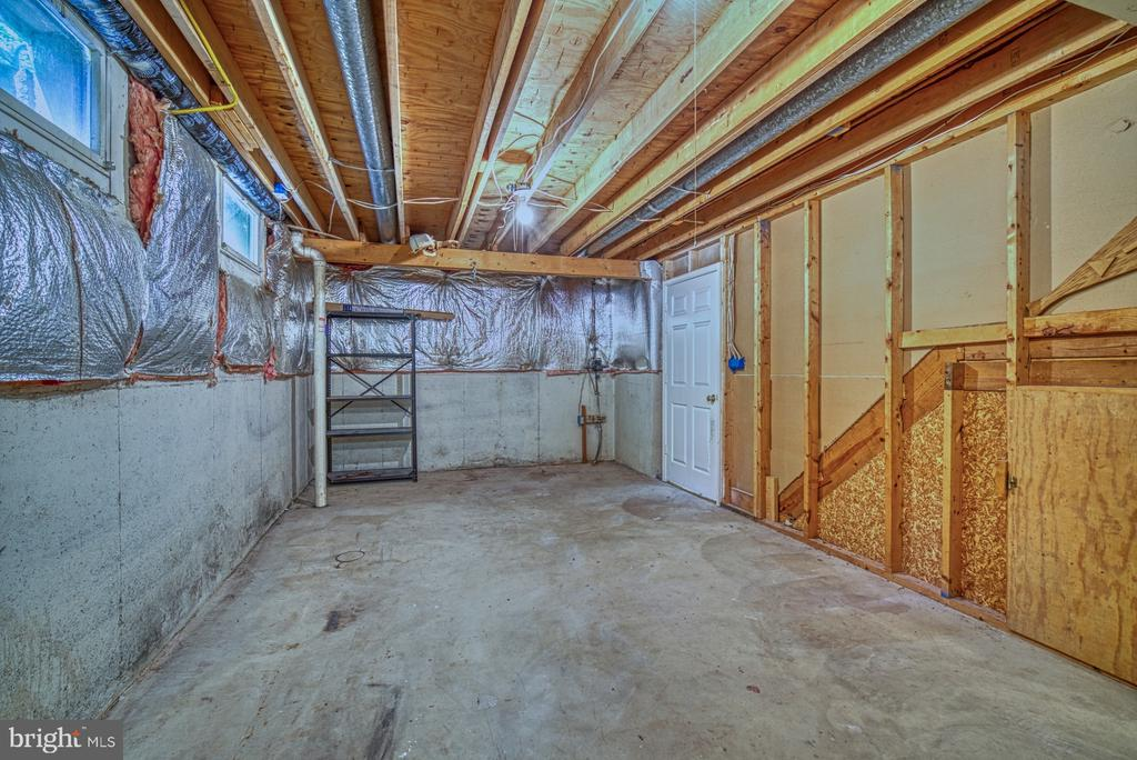Large storage room with radon mitigation system - 12302 CANNONBALL RD, FAIRFAX