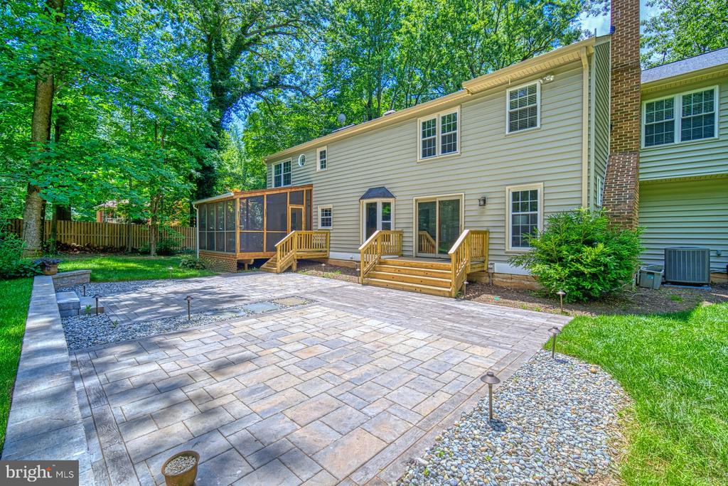 Incredible hardscape with lighting - 12302 CANNONBALL RD, FAIRFAX