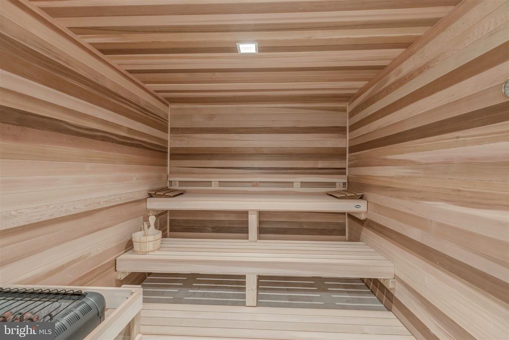 Sauna - 4100 CATHEDRAL AVE NW #810, WASHINGTON