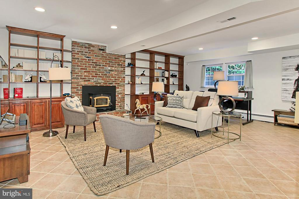 LOWER LEVEL REC. RM WITH FIREPLACE - 11800 LAKEWOOD LN, FAIRFAX STATION
