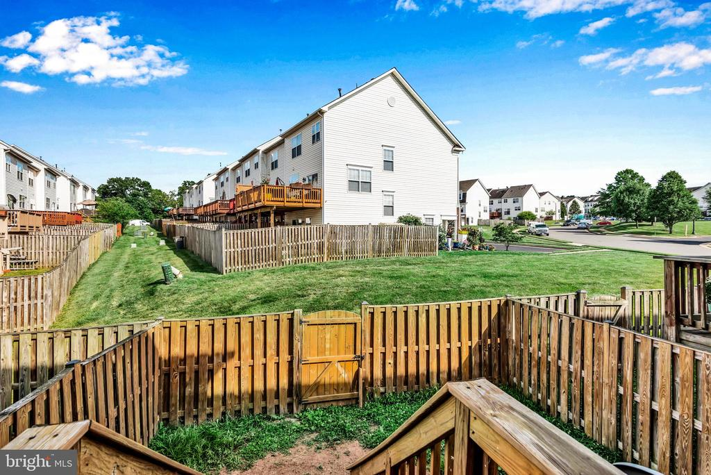 Fully Fenced Back Yard! - 8187 COBBLE POND WAY, MANASSAS