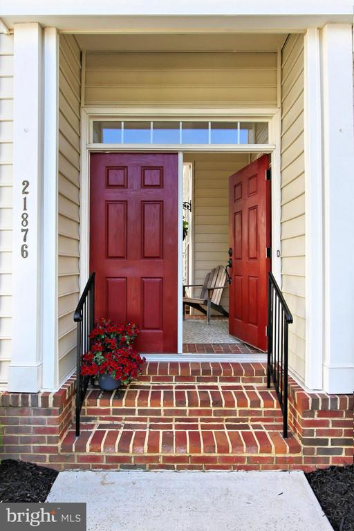 Front door - 21876 LARCHMONT WAY, BROADLANDS