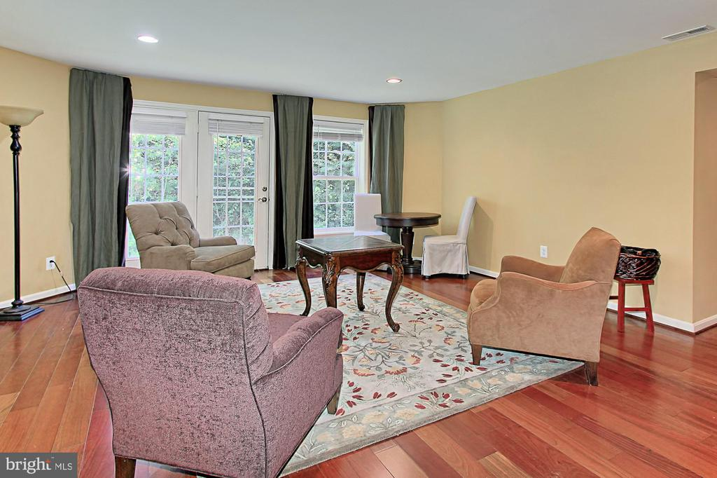 Lower Level Family Room - 21876 LARCHMONT WAY, BROADLANDS