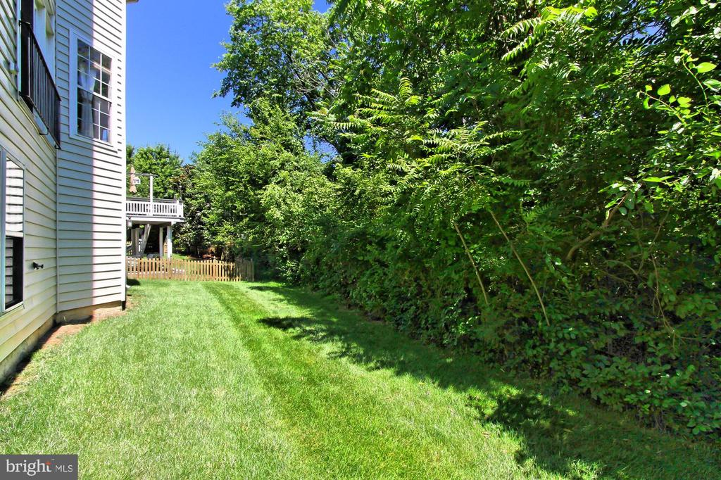 Exterior Rear - 21876 LARCHMONT WAY, BROADLANDS