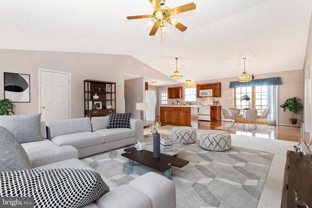Staged living room - 123 BENNETT DR, THURMONT