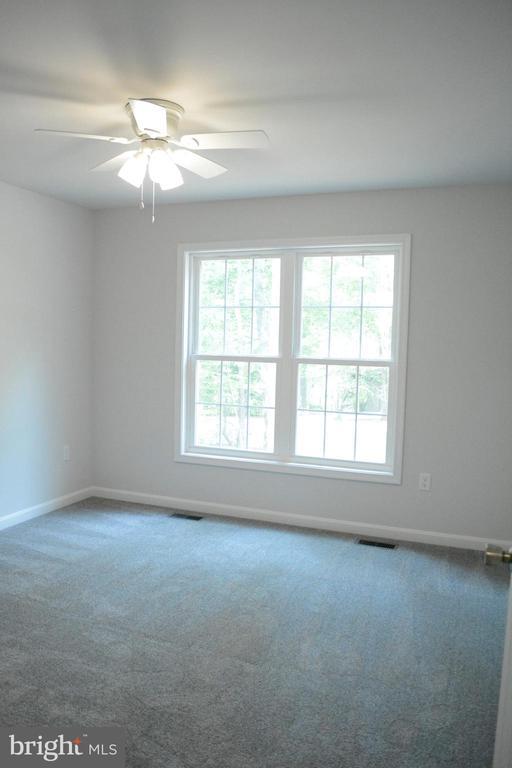 Bedroom number 2 - 111 APPLEVIEW CT, LOCUST GROVE