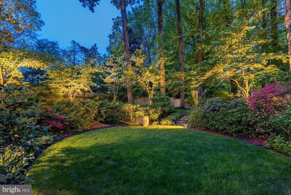 Beautiful Landscape Lighting - 5212 UPTON TER NW, WASHINGTON