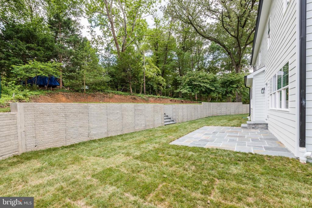 One more view of backyard - 8609 SEVEN LOCKS RD, BETHESDA