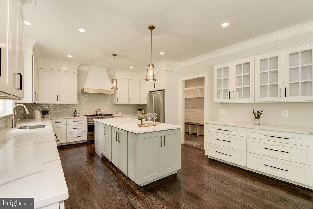 Chef's dream kitchen - 8609 SEVEN LOCKS RD, BETHESDA