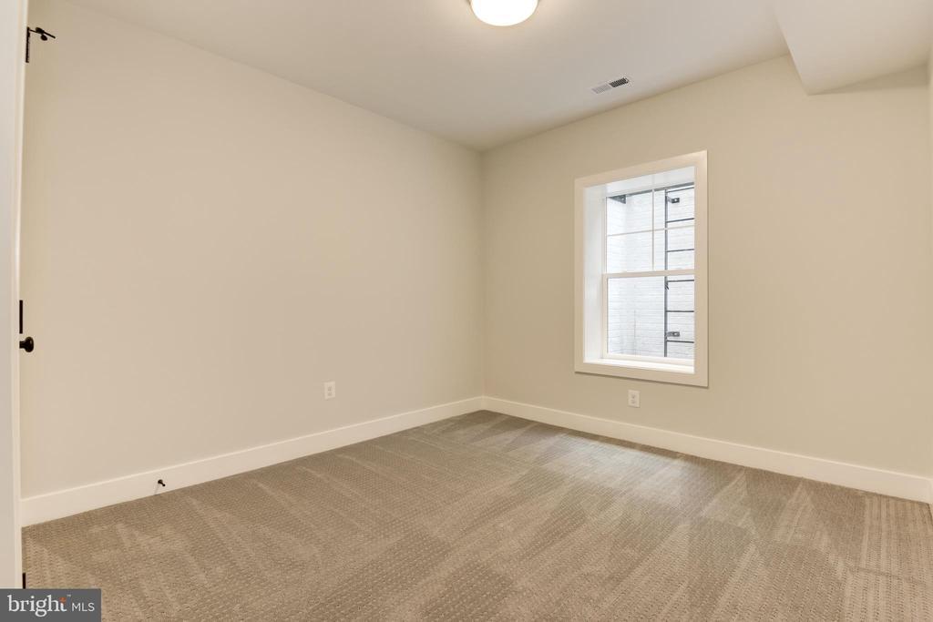 Lower level bedroom - 8609 SEVEN LOCKS RD, BETHESDA