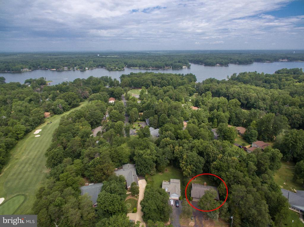 Live on a Golf Course and a Lake! - 3927 LAKEVIEW PKWY, LOCUST GROVE