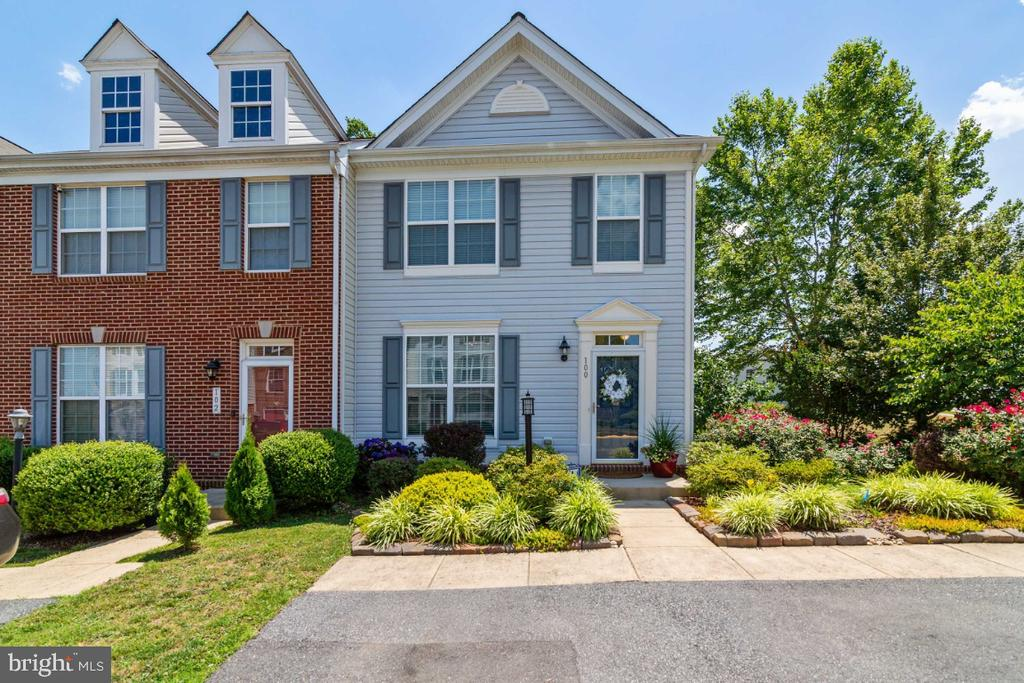 Welcome Home! - 100 MACON DR, STAFFORD