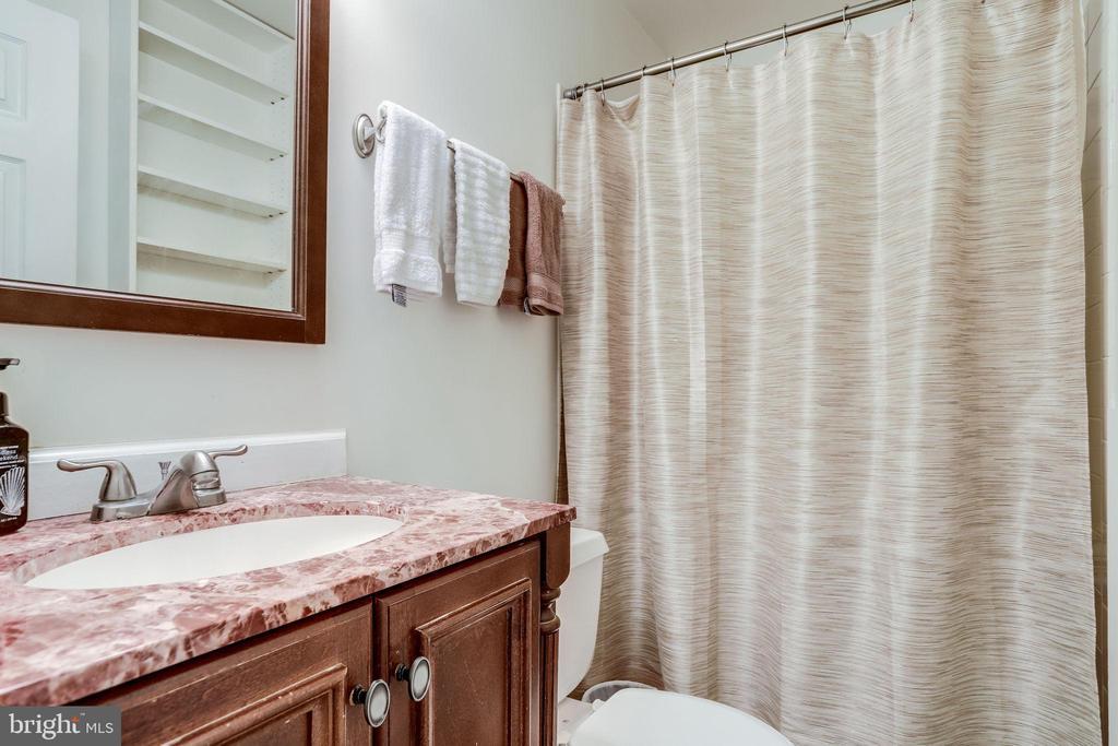 Master Bath - 3810 9TH RD S, ARLINGTON